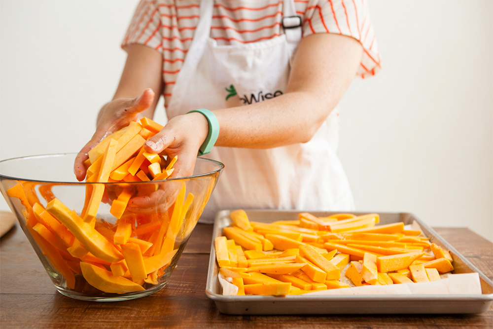 LifeWise Kitchen: Rosemary and Bacon Roasted Butternut Squash Fries -roasted butternut squash