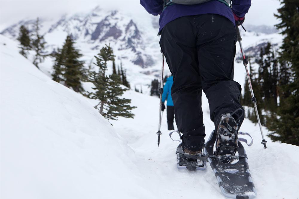 snowshoeing near seattle
