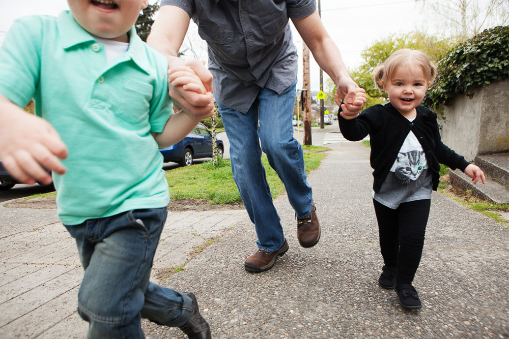 Parent-Exercises-Sidewalk-Sprints