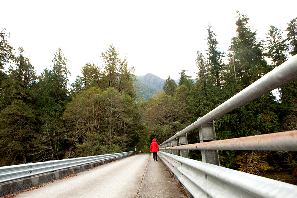Fall Hiking Checklist 6 Tips for Happy Northwest Trails-fall hiking in the Northwest